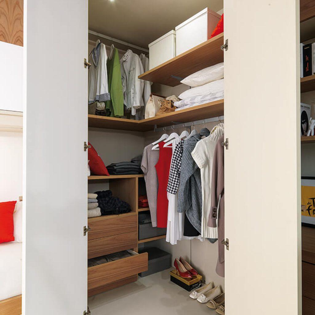 Cabine armadio su misura per camerette bambini marzorati for Cameretta armadio